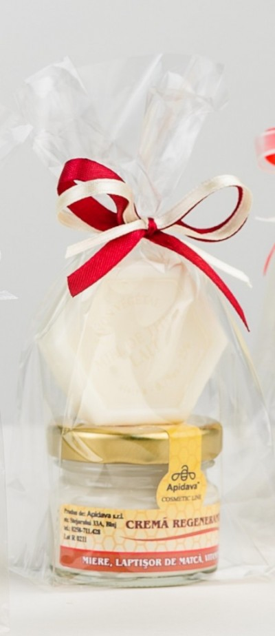 Set Crema regeneranta cu mini sapun